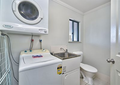 Laundry in a Townhouse at Getaway Cairns